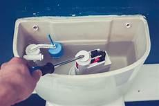 changer mecanisme wc comment remplacer un m 233 canisme de chasse d eau