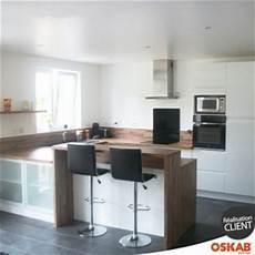 cuisine ouverte sans bar cuisine ouverte avec bar blanche et bois scandinave oskab
