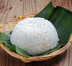 Apakah Berhenti Makan Nasi Bisa Mengurangi Perut Buncit