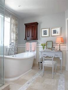 Traditional All White Bathroom Ideas by Traditional White Bathroom Hgtv Design Design