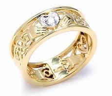 claddagh ring two tone gold diamond claddagh wedding