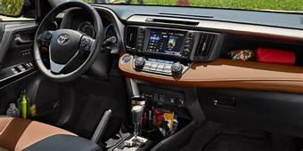 2017 Toyota RAV4 LE Vs XLE