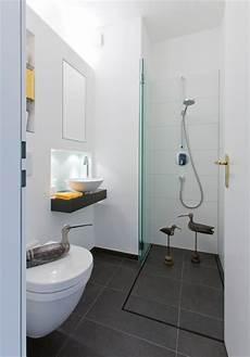 ideen f 252 r kleine b 228 der g 228 ste wc mit dusche
