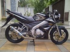 Modifikasi Motor Vixion 2009 by Modifikasi New Vixion Advance Fairing Lightning Velg