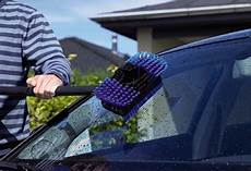 autoscheiben reinigen die besten tipps f 252 r saubere