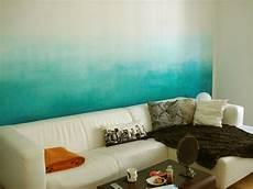 Farbverlauf Wand Streichen - farbkind diy dip dye wall