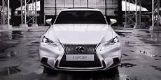 La Publicit 233 Pour La Voiture Lexus Is 300h