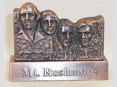 when does mt rushmore open