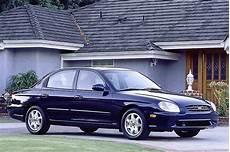 how it works cars 1999 hyundai sonata lane departure warning 1999 01 hyundai sonata consumer guide auto
