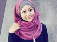 Model Jilbab Wisuda Inspired Citra Kirana