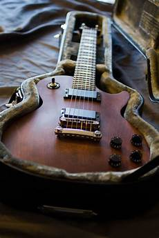 accrocher sa guitare au mur luxe images lemmy kilmister le