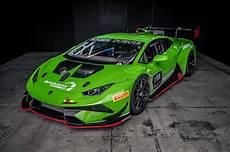lamborghini trofeo 2018 lamborghini hurac 225 n trofeo evo review the future of the supercar motor trend