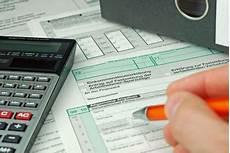 Steuer Bei Immobilien Hausverkauf Wann Wie Hoch