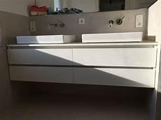 Bad Waschbecken Mit Unterschrank - waschtisch unterschrank mit griffmulden mit glas