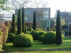 Gr 252 Ne Skulpturen Im Garten Gartentechnik De