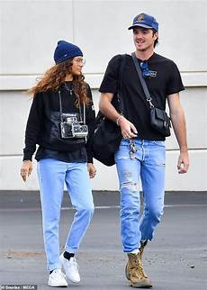 Zendaya Boyfriend Zendaya And Boyfriend Jacob Elordi Coordinate Their