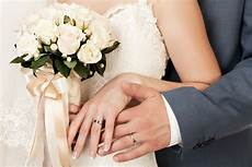 contact dermatitis when you re allergic to your wedding ring