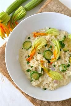 risotto con zucchine e fiori di zucca risotto con zucchine e stracchino e fiori di zucca