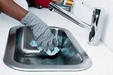 wohnung putzen mit system wohnung putzen infos tipps checklisten f 252 r ein