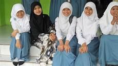Jilbab Yang Cocok Untuk Anak Sekolah Smu Dunia