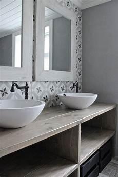 salle de bain avec carreaux de ciment salle de bain retro rustique carrelage graphiques esprit
