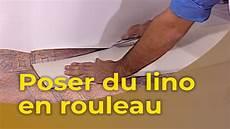 Poser Du Lino En Rouleau