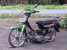 Modifikasi Motor Legenda Klasik by Modifikasi Motor Astrea Legenda Dengan Konsep Ceper