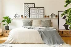 schlafzimmer dekorieren gemütlich 15 tricks die dein schlafzimmer gem 252 tlicher machen