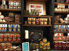 candele shop white barn fall 2016 candles in store musings of a muse