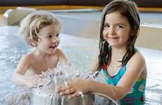 Wellness Mit Kindern - die besten wellnesshotels f 252 r familien mit kindern