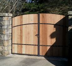 portail en bois metal creation portail en bois et fer forg 233