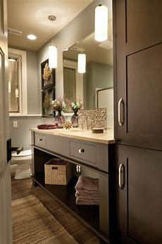 Bathroom Ideas Brown Cabinets by Best 25 Bathroom Colors Brown Ideas On