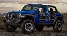 2021 jeep wrangler getting ready to fight new ford bronco with small updates carscoops