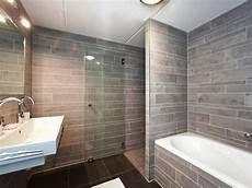 bad und dusche badewanne und dusche nebeneinander behindertengerechte