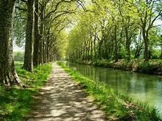 Canal Midi Abierto En Canal