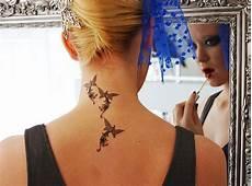 tatouage femme discret nuque tatouage oiseaux nuque femme