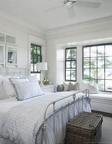 Diy Decorating Ideas For Master Bedroom by Small Master Bedroom Decorating Ideas Diy