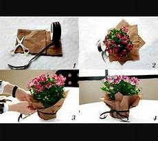 topfblumen als geschenk verpacken verpackung f 252 r blument 246 pfe sch 246 n verpackt