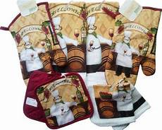 Kitchen Linens And Decor by 8 Chef Theme Kitchen Linen Set Oven Mitts Dish