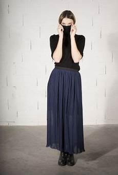 jupe longue pliss 233 e sport chic 233 lastique noir 224 la taille