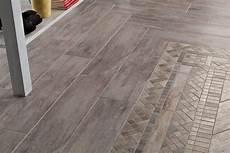pavimenti ceramica finto legno posa di pavimenti e pareti in piastrelle finto legno