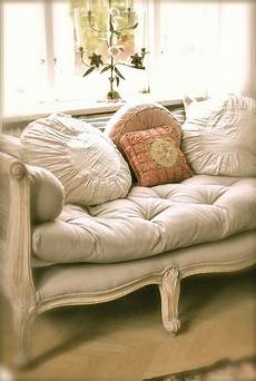 shabby chic sofa 17 best images about chic settees on pink