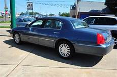 how to sell used cars 2005 lincoln town car head up display purchase used 2005 lincoln town car signature in 3120 summerhill rd texarkana texas united