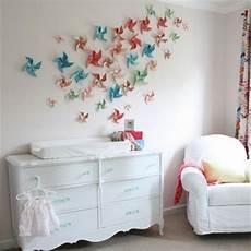 wand ideen zum selber machen bunte papier blumen an der wand dekorative idee