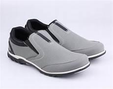 jual beli sepatu casual pria sneaker kulit