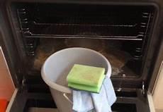 Backofen Reinigen Wie Sie Den Ofen Mit Essig Und