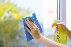 laver des vitres les produits 224 mettre 224 disposition de votre femme de m 233 nage