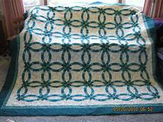 23 best images about double wedding ring quilt pinterest wedding quilts runners and sewing