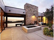 Modern Mansion Enjoying Unharmed Views of the Wilderness