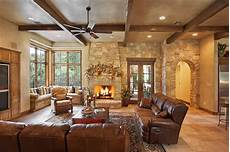 Moderner Landhausstil Wohnzimmer - hill country style rustic living room